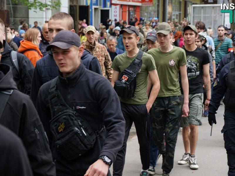 В Николаеве активисты снесли агитационную палатку «Оппозиционной платформы – За жизнь» (ВИДЕО)