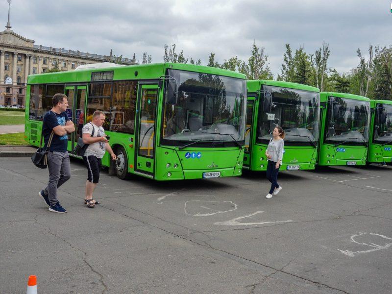 Николаевцам презентовали белорусские автобусы. На маршруты они выйдут через 2-3 недели (ФОТО, ВИДЕО)