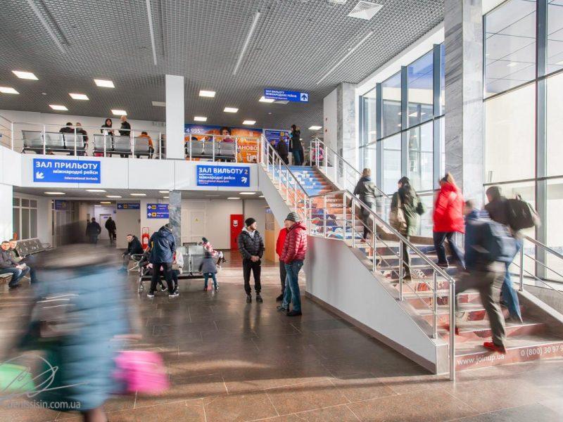 Николаевский аэропорт пытается через суд  выставить магазин Duty Free