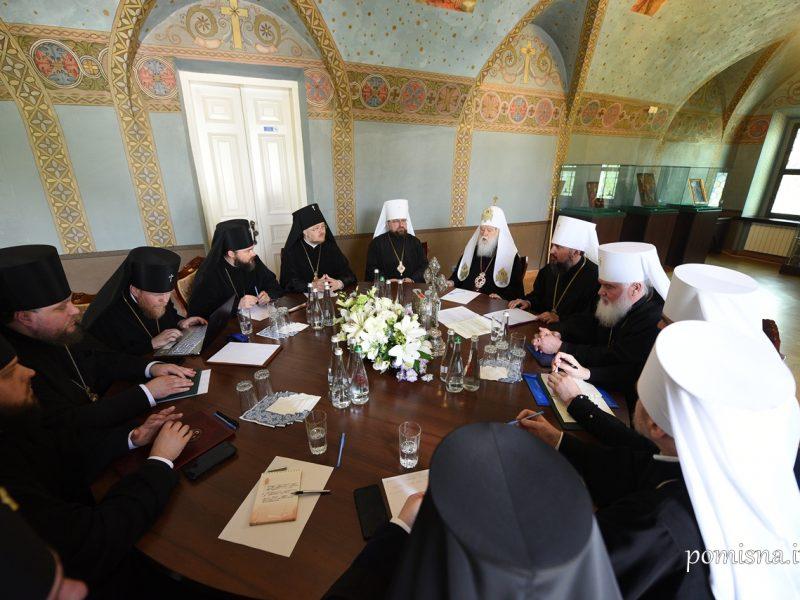 Священный Синод ПЦУ запретил архиереям и клирикам баллотироваться в Верховную Раду