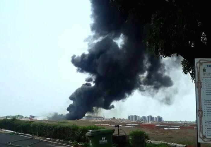 На Гоа у военного самолета при взлете отвалился топливный бак – полеты в аэропорту были заблокированы (ВИДЕО)