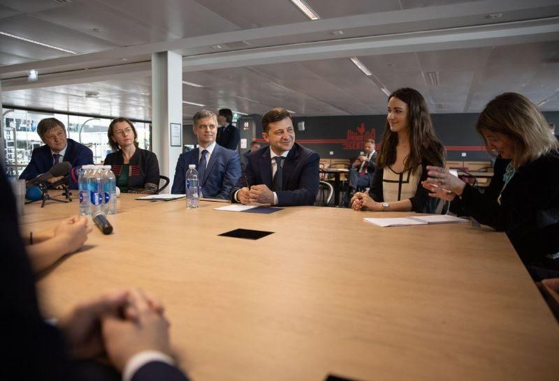 Зеленский рассказал в Париже, что хочет сделать с Украиной