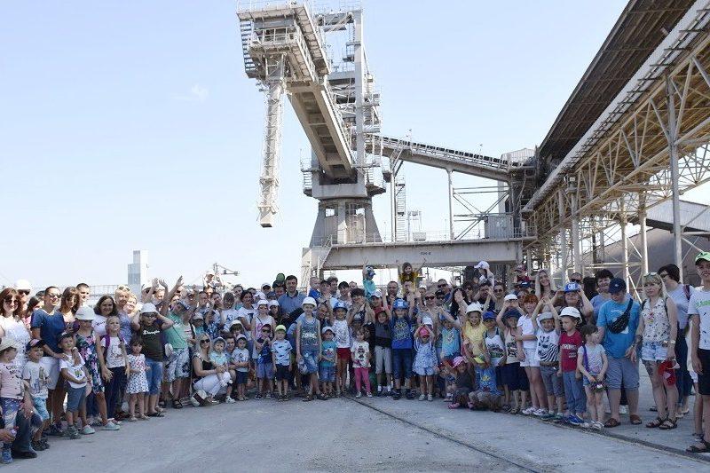«Ника-Тера» устроила День Семьи для детей портовиков (ФОТО)