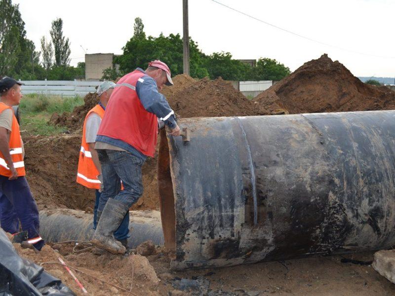 «Николаевводоканал» активно готовится к замене аварийного коллектора, чтобы не отключать в Николаеве 7 июня воду дольше, чем на 18 часов (ФОТО)