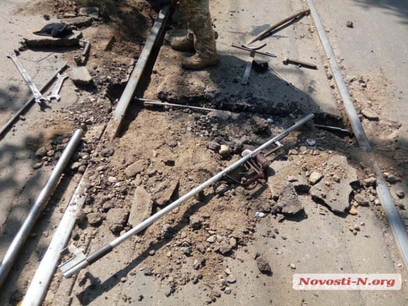 В Николаеве трамвай сошел с рельсов
