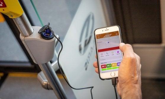 В итальянском Милане начнут курсировать троллейбусы, в которых можно подзарядить смартфон (ФОТО) 1
