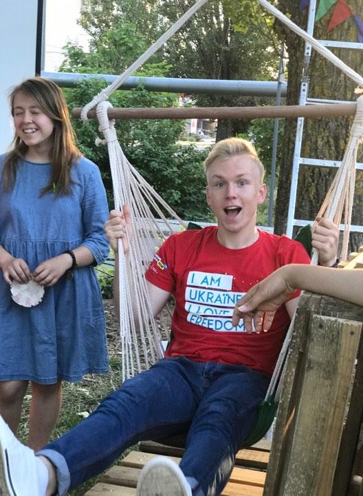 Вы мечтали о месте на свежем воздухе? Студенты УАЛ создали в Николаеве пространство для отдыха «Гамак» (ФОТО) 67