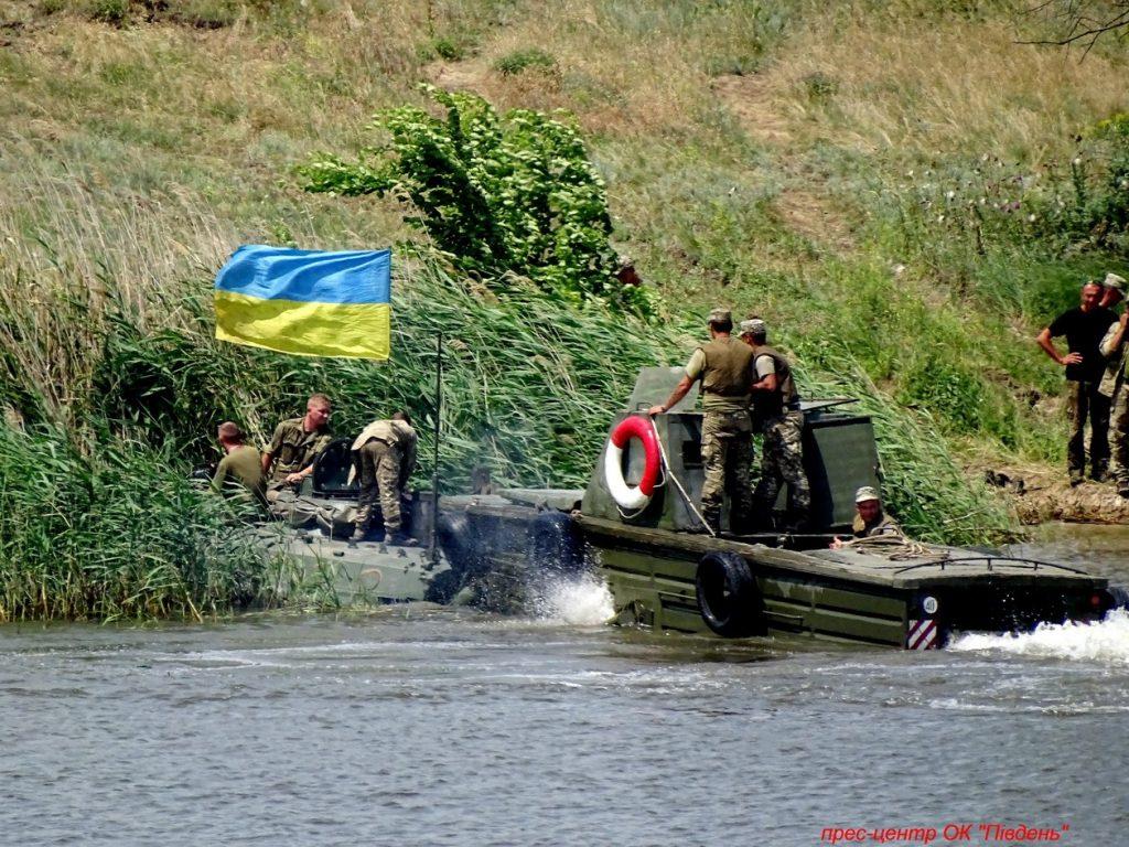 Под Николаевом прошли учения мотострелков (ФОТО) 27