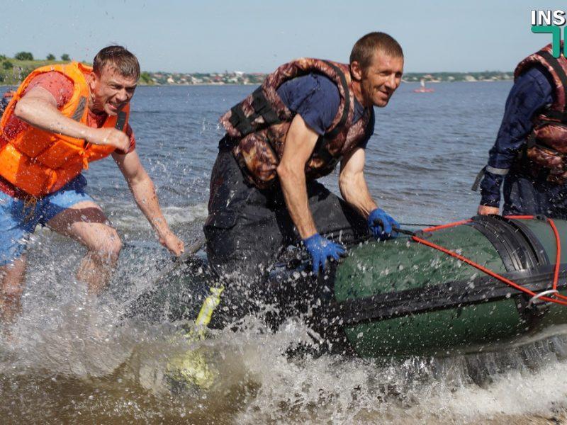 На земле и в воде: Николаевские спасатели определяли лучшее отделение (ФОТО, ВИДЕО)