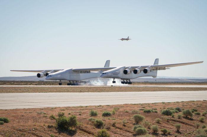 Самолет с самым большим в мире размахом крыла выставят на продажу