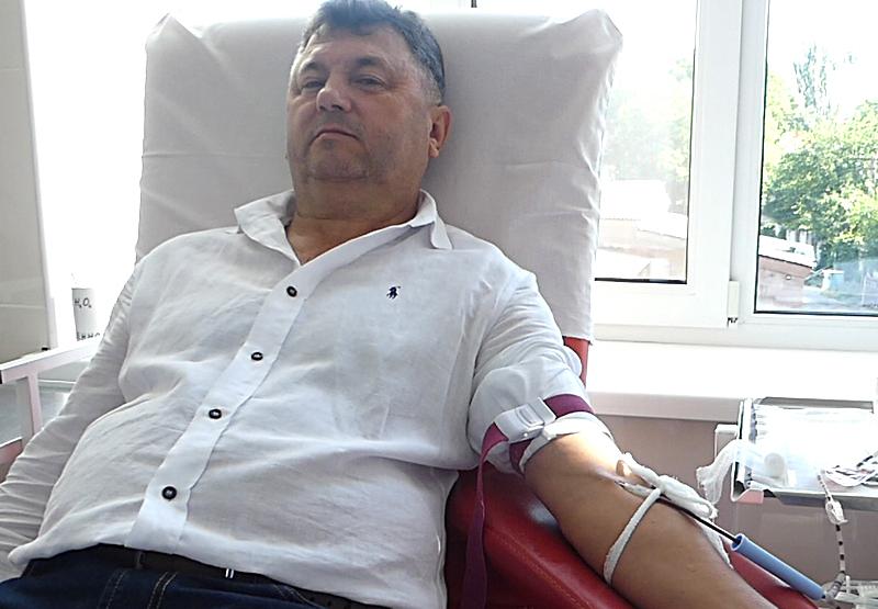 Накануне Дня донора: начальник облздрава личным примером призвал николаевцев  сдавать кровь (ВИДЕО)