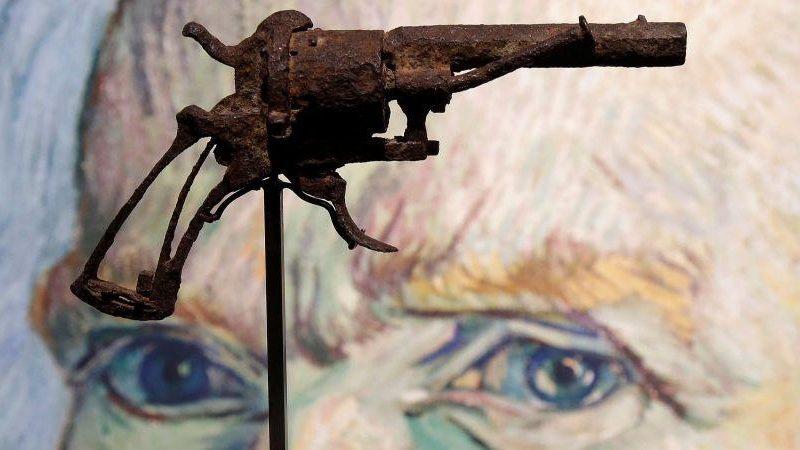 Револьвер, из которого застрелился Ван Гог, продали на аукционе