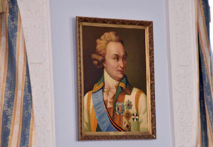 Портреты флотоводцев уже сейчас вернут в сессионный зал Николаевского городского совета, а поиски реставраторов продолжатся