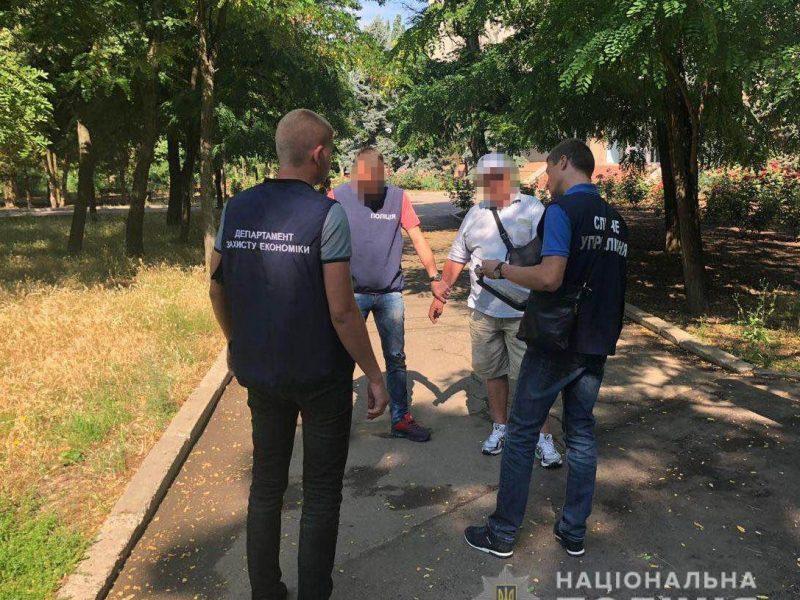 В Очакове на взятке в 1000$ «погорел» депутат городского совета (ФОТО)