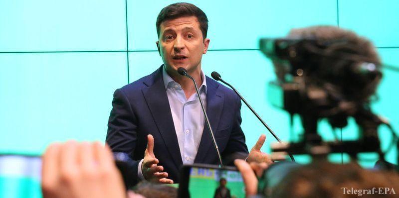 Зеленский не ответил российскому каналу, поедет ли 9 мая в Москву (ВИДЕО)