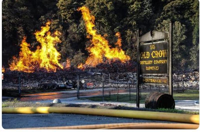 В США пожар уничтожил 7 млн.литров виски Jim Beam (ФОТО, ВИДЕО)