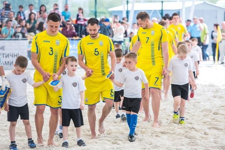 Сборная Украины по пляжному футболу не поедет в Москву