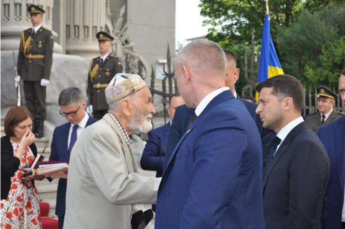 Трогательная история о помощи Зеленского  крымскотатарскому дедушке  оказалась фейком (ФОТО)