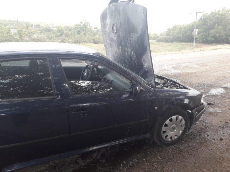 На Николаевщине на ходу загорелся автомобиль Skoda Octavia (ФОТО)