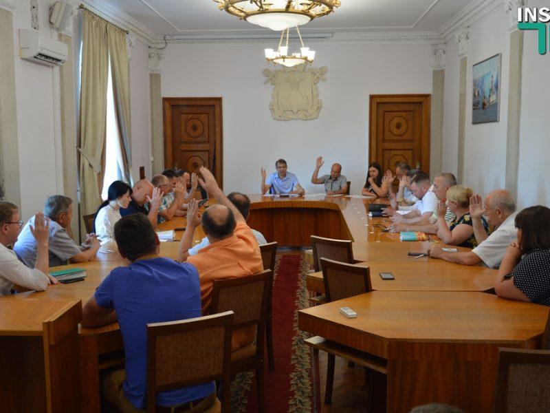Общественный совет рынка недвижимости обновил состав, переизбрал руководство и решил помочь «Могилянке» получить недострой на 3-й Слободской