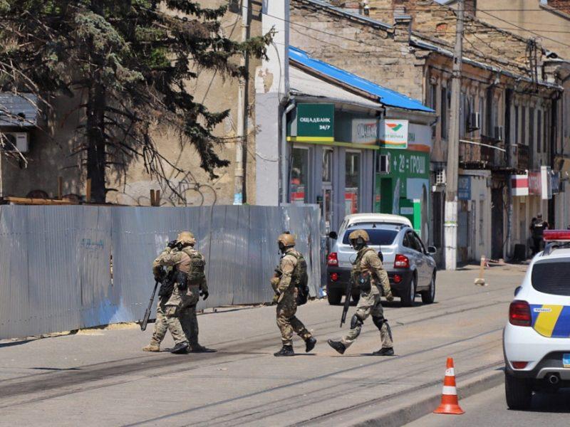Опубликовано видео, как полиция освобождала заложниц в Одессе (ВИДЕО)