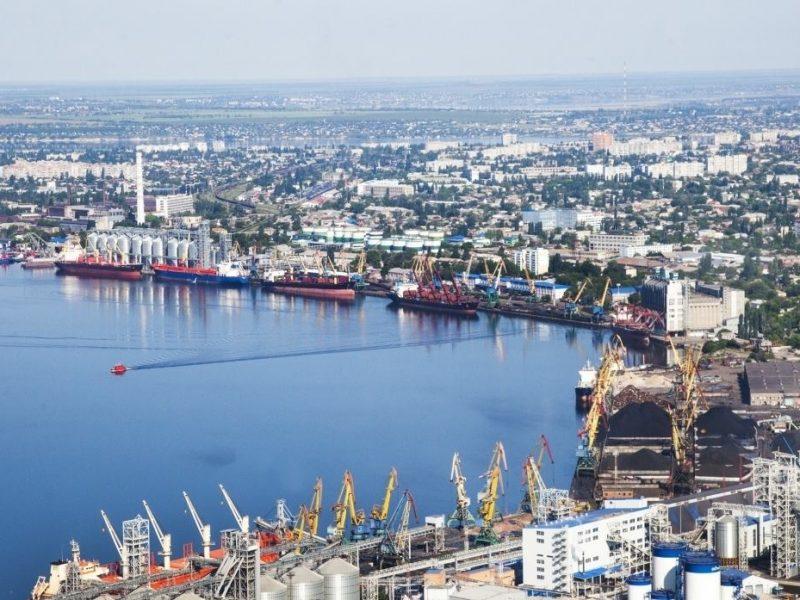 Николаевский морской порт может заплатить 28 млн.грн. штрафа из-за заниженной оплаты за доступ к причалам 7 стивидорам