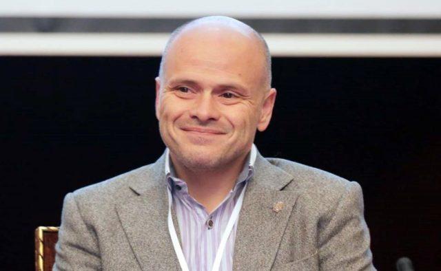 """В """"Слуге народа"""" видят хозяина частных клиник """"Борис"""" министром здравоохранения"""