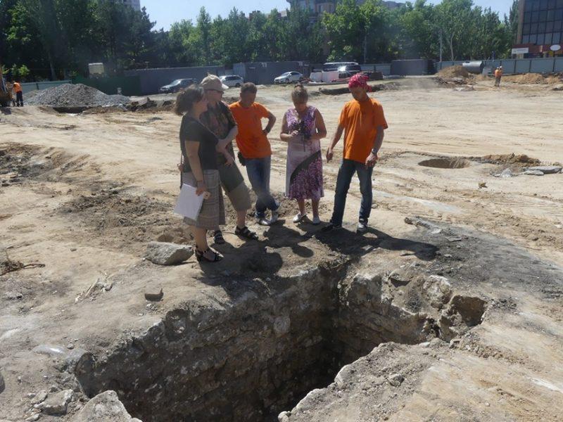 Специалисты предлагают сохранить археологические находки под Соборной площадью (ФОТО)