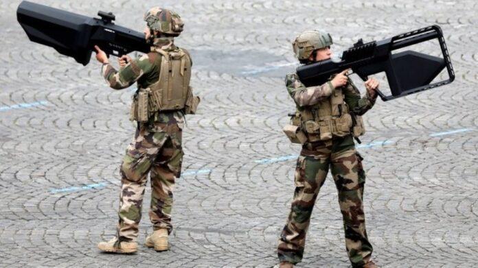 Писатели-фантасты помогут французской армии предсказать будущее