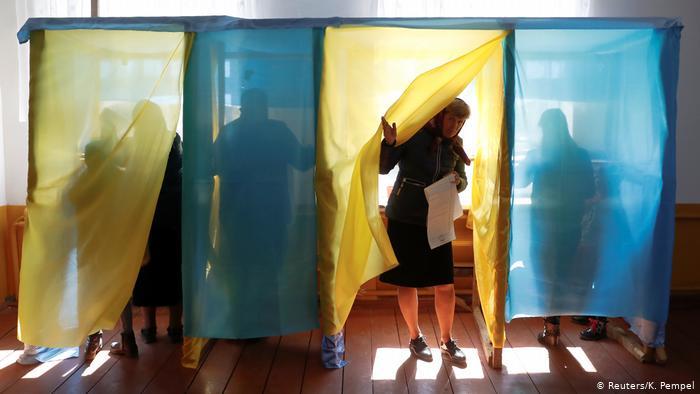 В посольство Украины в Индии доставили новые бюллетени взамен испорченных – голосование состоится