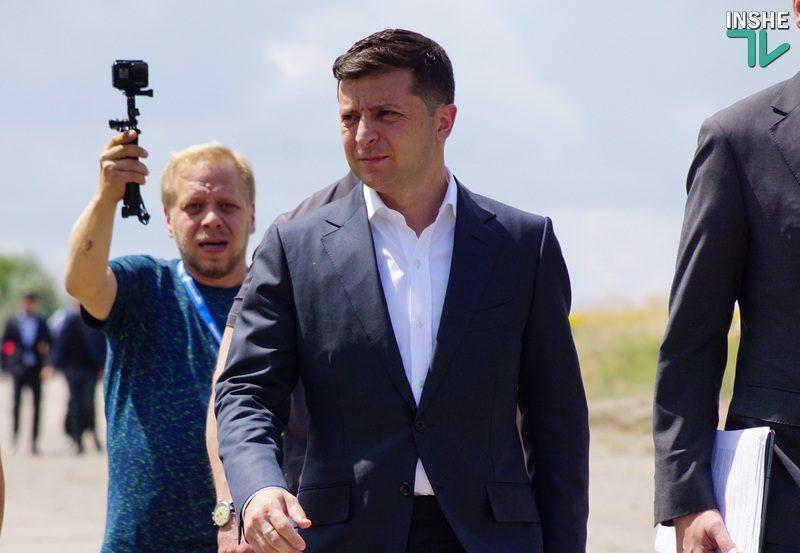 «Слуги народа» попросят Зеленского пойти на второй срок