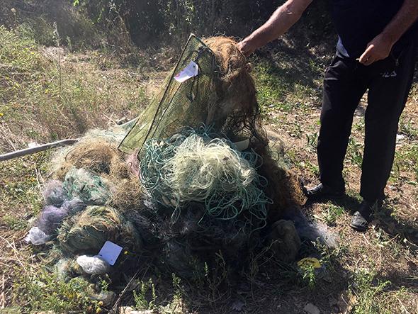 """Николаевский рыбоохранный патруль уничтожил 120 сеток, """"пауков"""" и прочих ловчих орудий (ФОТО)"""