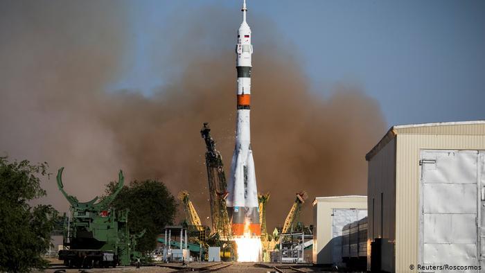 """Российским """"Союзу"""" с роботом FEDOR не удалось состыковаться с МКС"""