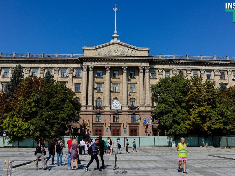 «Ориентируйтесь на начало октября»: Сенкевич рассказал, когда на Соборной площади заработают фонтаны (ФОТО, ВИДЕО)