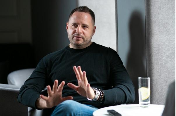 Ермак обнародовал декларацию за 2019 год: он охотно дает в долг своим фирмам