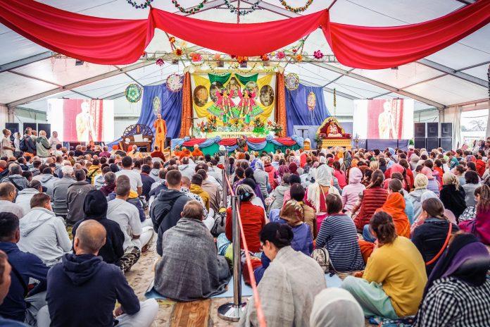 В Коблево проходит третий фестиваль кришнаитов «Бхакти Сангама» (ВИДЕО)