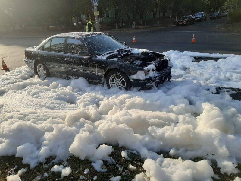 В Николаеве и Снигиревке горели два автомобиля (ФОТО)