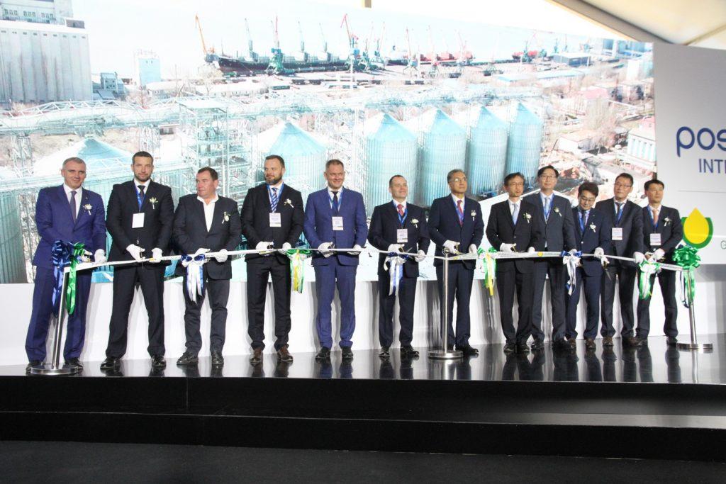 В Николаеве при участии корейской компании Posco International открыли зерновой терминал (ФОТО) 27