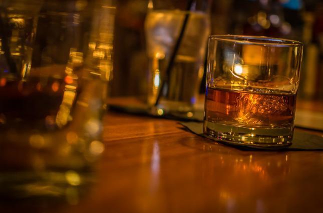 Похмелье, как у Рузвельта. В США на аукционе продадут бутылку виски по баснословной цене (ФОТО)
