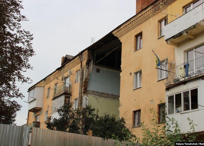 Разрушение несущей стены подвала – причина обвала дома в Дрогобыче, под руинами которого погибли восемь человек