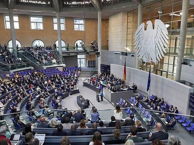 Часть депутатов Бундестага требует отменить санкции в отношении России – Германии, мол, невыгодно