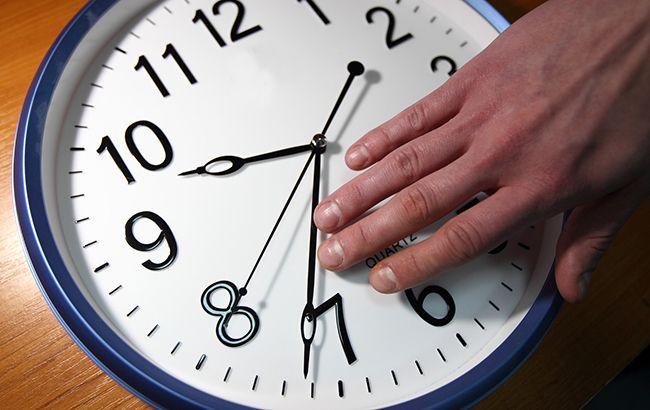 Европейский союз может отложить запланированную на 2021 год отмену перевода часов