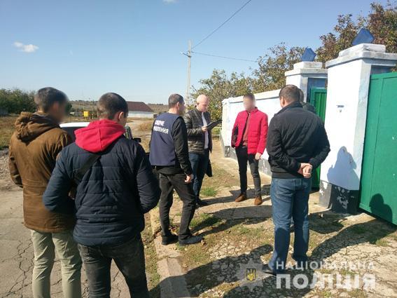 В Николаеве полиция и УСБУ не дали мошеннику реализовать аферу с двухкомнатной квартирой пенсионерки (ФОТО)