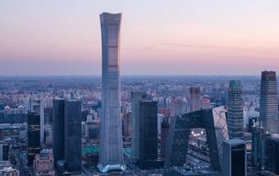 Полукилометровый небоскреб построили в Китае