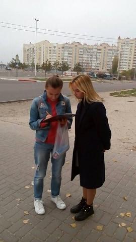 Ученики николаевской школы №57 попросили министра Криклия установить «лежачего полицейского» возле супермаркета