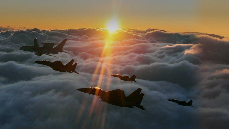 Южная Корея подняла по тревоге истребители из-за шести военных самолетов РФ