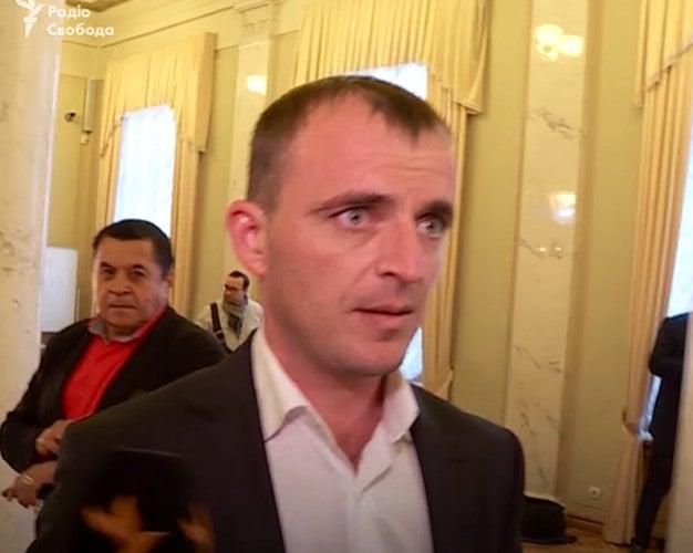 «Я фермер из Коломойского района»: Нардеп от «Слуги народа» не смог объяснить, как попал в Раду (ВИДЕО)