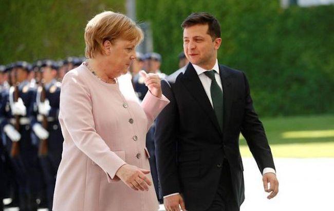 Зеленский и Меркель обменялись приглашениями. Оба визита летом