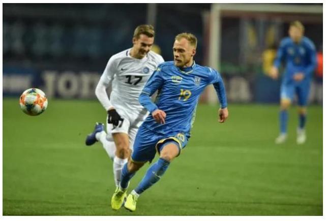Сборная Украины в товарищеском футбольном матче одолела Эстонию со счетом 1:0