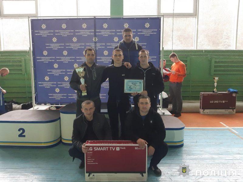Николаевские полицейские завоевали «серебро» в соревнованиях по гиревому спорту во Львове (ФОТО)